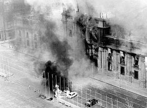 Bombardeo del Palacio de La Moneda en Santiago de Chile. 11-09-73 y Bombardeo a Bagdad 20-03-08