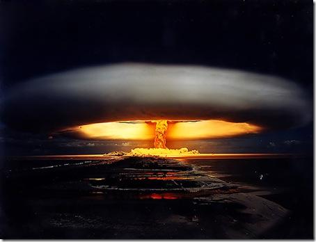 Explosión Nuclear realizada por el Gobierno Francés en el Atolón de Mururoa